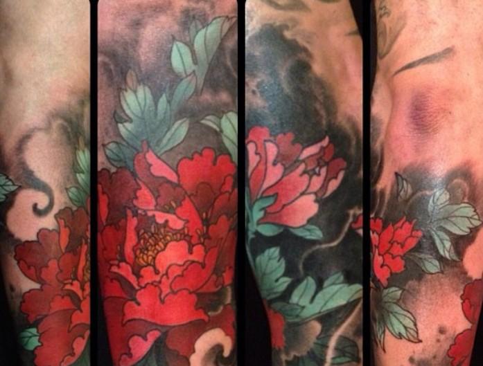 Татуировка пион у парней